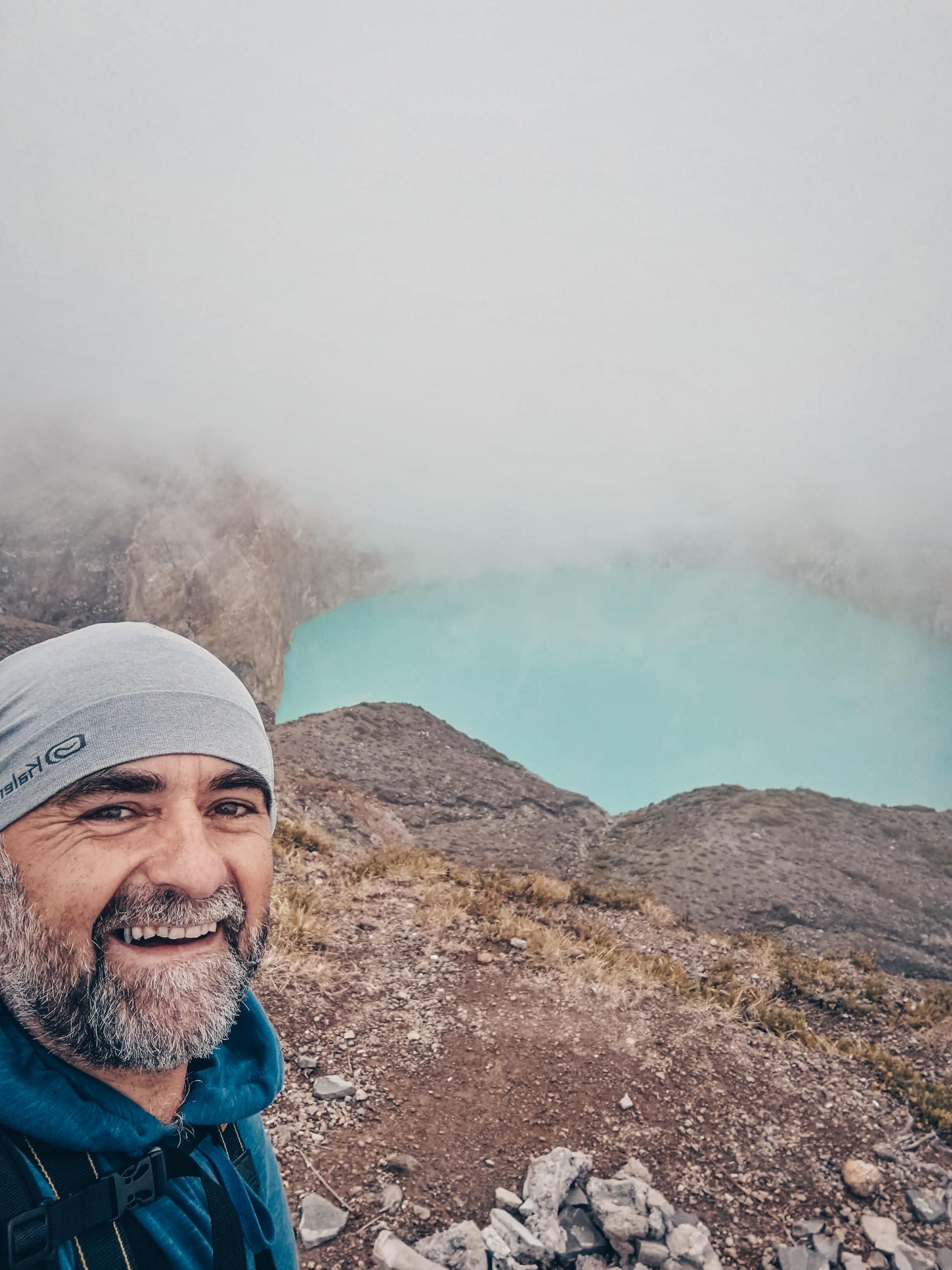 odpoledne na vrcholu Kelimutu